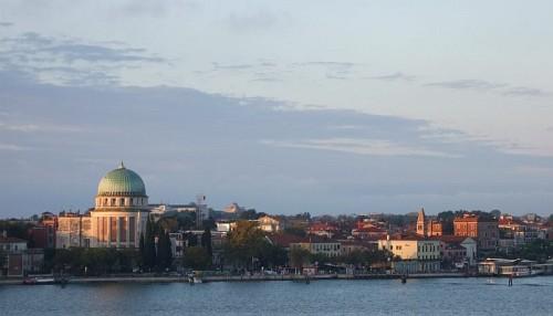 Μπαίνοντας στο λιμάνι της Βενετίας...